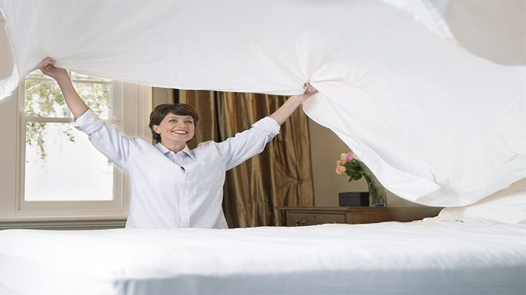 TIPS TO FACILITATE WASHING BED SHEETS, IRONING, FOLDING AND SPREADING